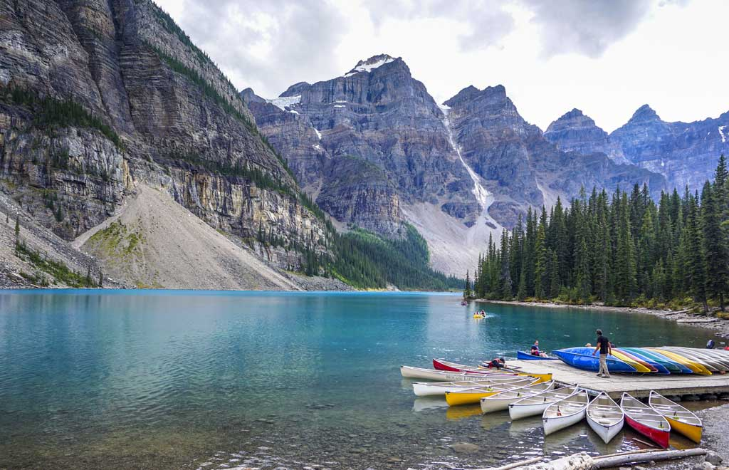 Canada Morraine lake Blueberry Travel